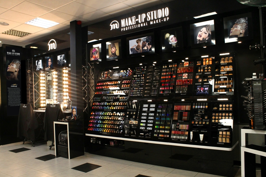 AS Watson-Pour Vous-Make Up studio1